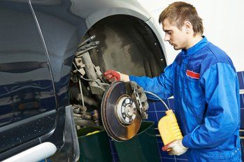 car vehicle servicing