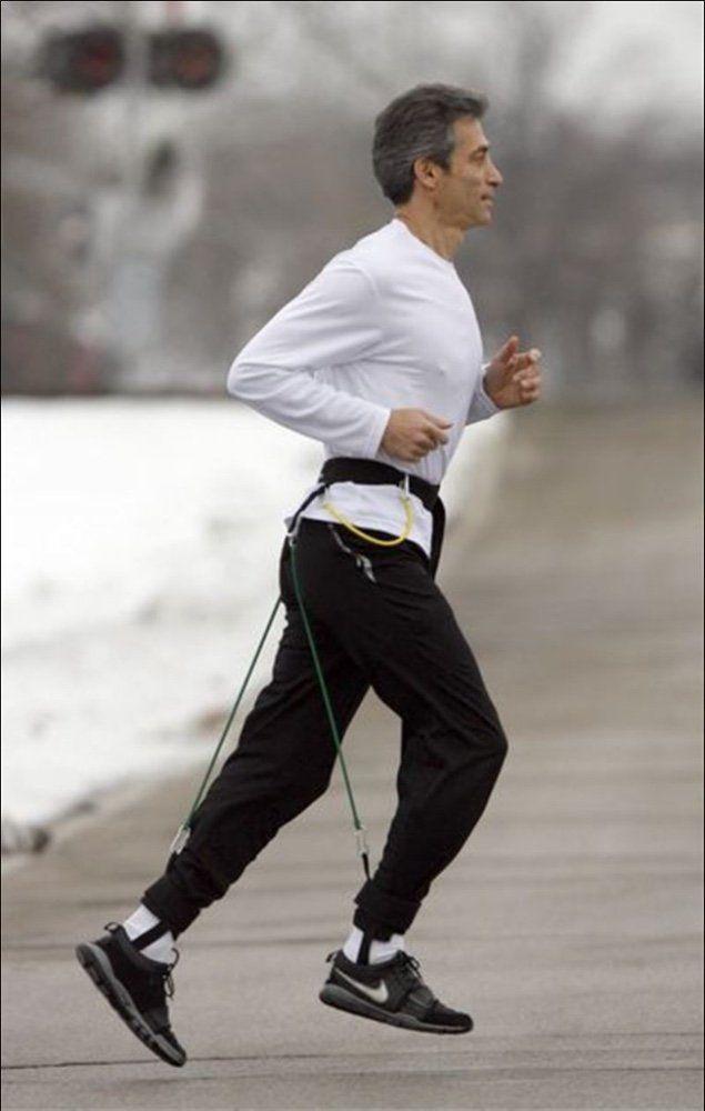 Joe Sparks running in the EZ Run Belt