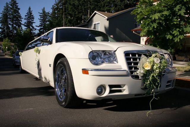 wedding limo service photo