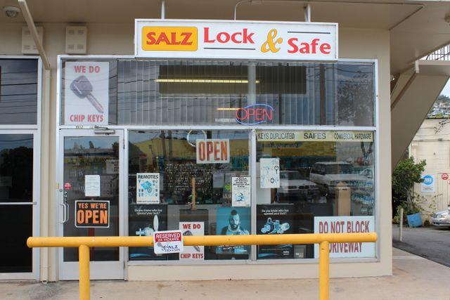 Salz Lock storefront