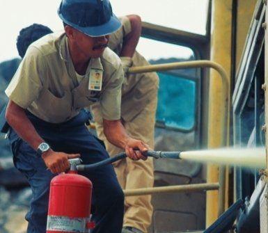 prevenzione antincendio, attrezzature antincendio, fornitura estintori