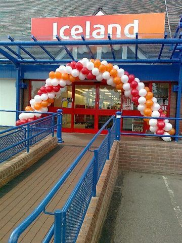 large arch balloons