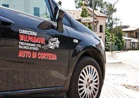 Riparazione auto incidentate servizio auto di cortesia