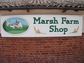 Caravan campsite - Norwich - Marsh Farm Caravan Site and Fishing Park - Shop Front