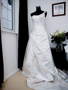 Seamstress - Walsall - Melanie Miley Seamstress - Dressmaker