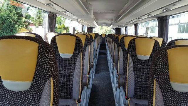 Interno dell'autobus a noleggio Mengozzi a Bagnacavallo