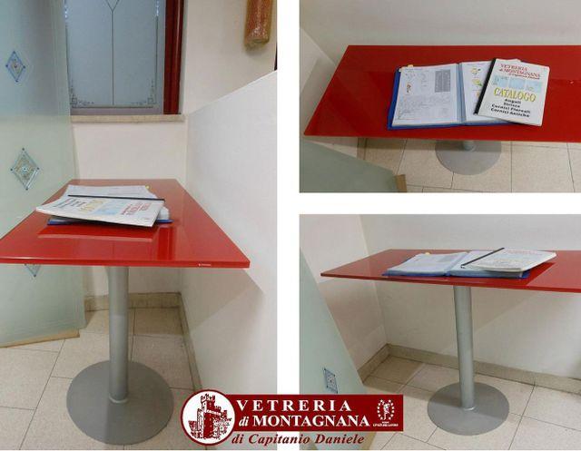 tavolo rosso da interno