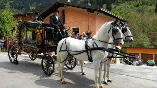 Funerale in carrozza