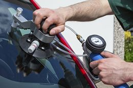 Auto windshield repair in Houston, TX