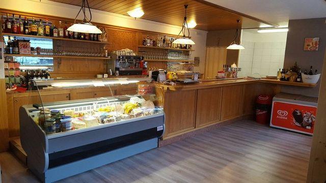 Interno del bar pizzeria da Gennaro, a Malborghetto Valbruna