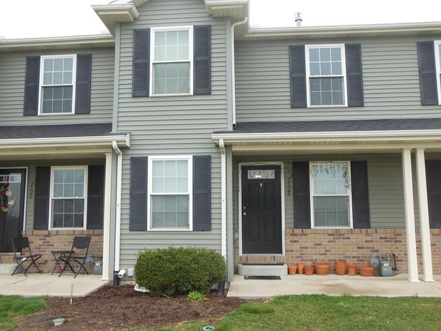 3 Bedroom Apartments For Rent In Bloomington Il 3 Bedroom Apartments Bloomington In House For