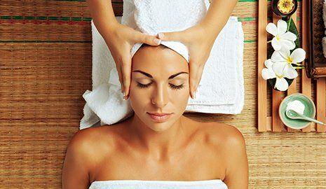 Trattamento estetico per la cura dei capelli a Roma