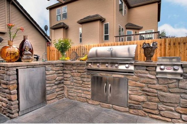 Tips To Design Your Dream Outdoor Kitchen