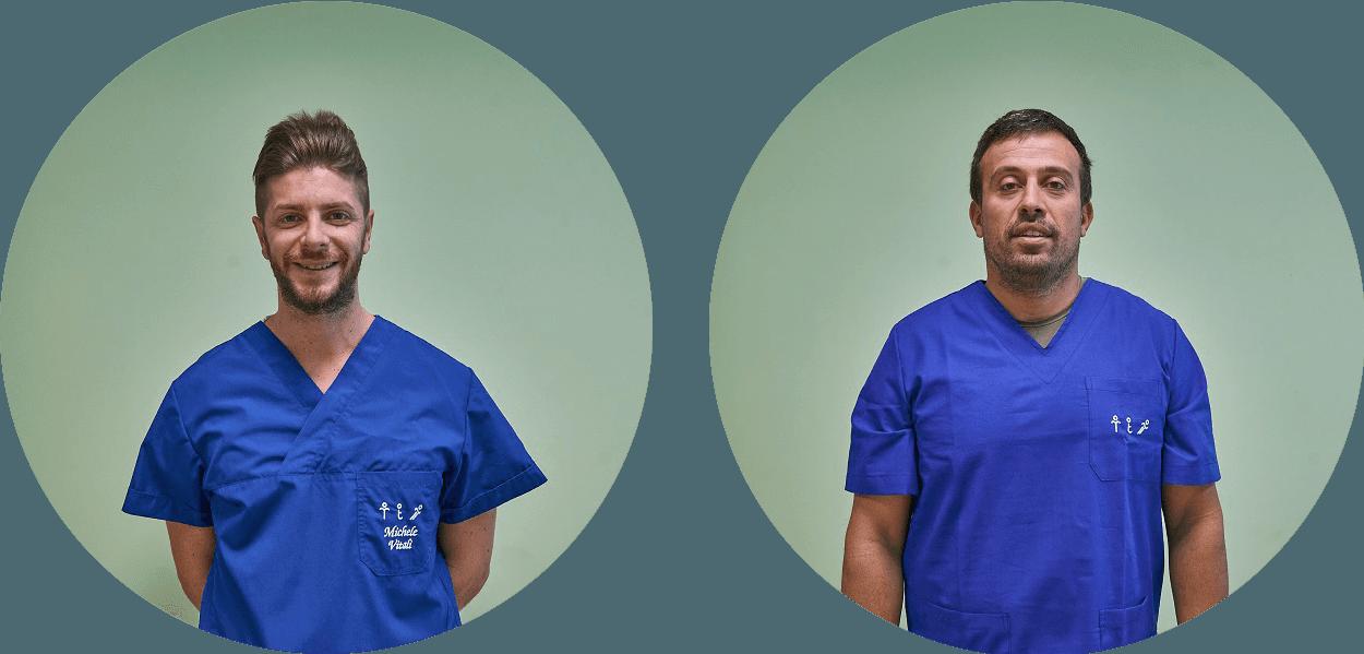 foto di due dottori in camice blu