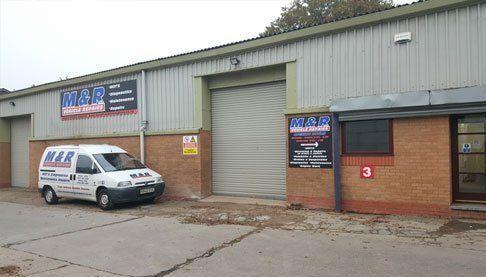 M & R Garage area