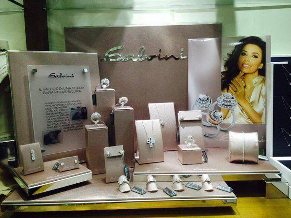 gioielli d'argento in esposizione