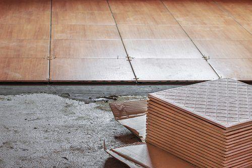 rivestimento pavimento con piastrelle