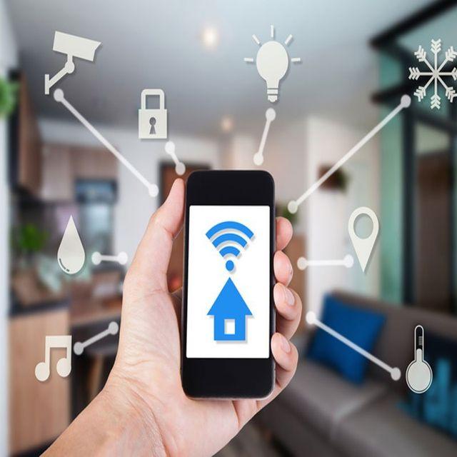 controllare ambiente casa con app telefono