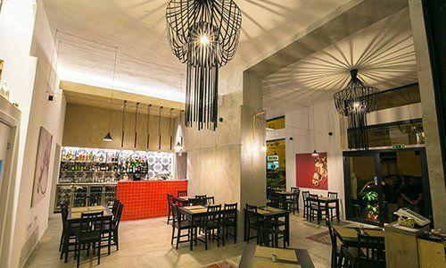 la nostra ampia sala adatta anche ad aperitivi e antipasti di tradizione siciliana