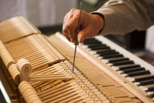 Accordatura dl pianoforte tra gli articoli musicali di Tony Spada in Brianza