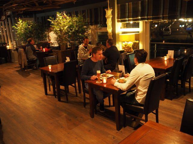 Eten In Huizen : Restaurant in huizen uit eten bij boot eten drinken