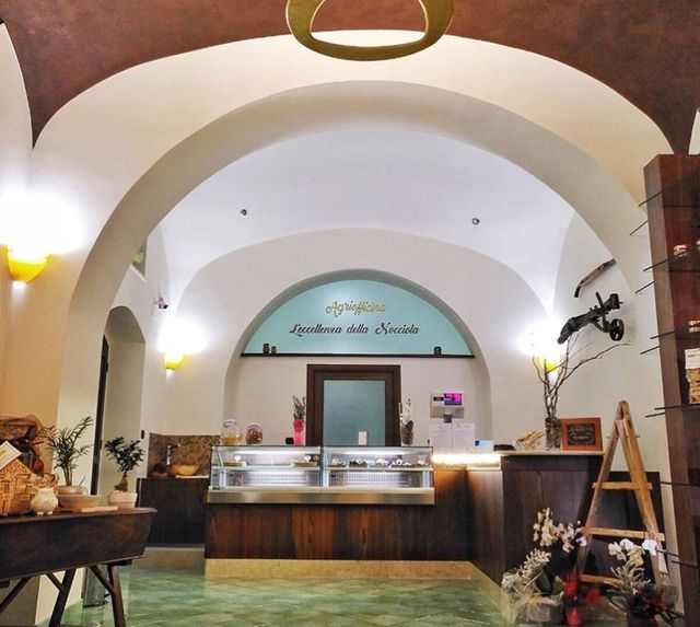 interno del negozio Arteterra a Fisciano