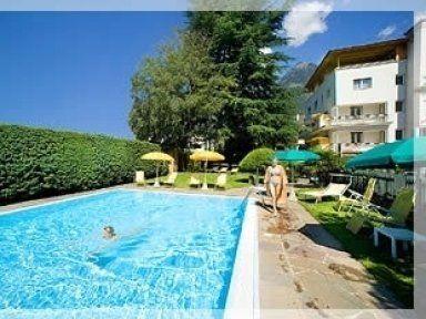 Pensione con piscina privata