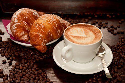 cappuccino e cornetto