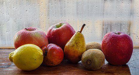 frutta su tavolo