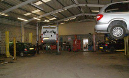 Fuel car servicing