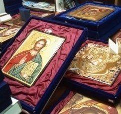 i quadri raffiguranti Gesù e altre entità religiose