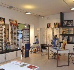 vista interna di negozio Foto Ottica Sibona
