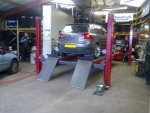 Car tyre replacement services