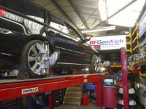 Car tyre servicing