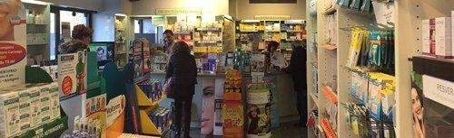 Interno della Farmacia Prati Test dove si possono eseguire test farmaceutici e diagnostici per i clienti di Assago e Corsico