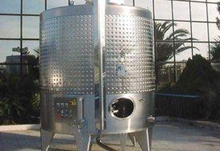 Miscelatore con agitatore per succo d'uva