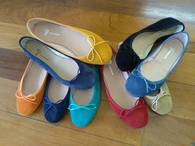 scarpe di tanti colori