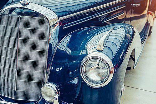 macchina d'epoca blu vintage