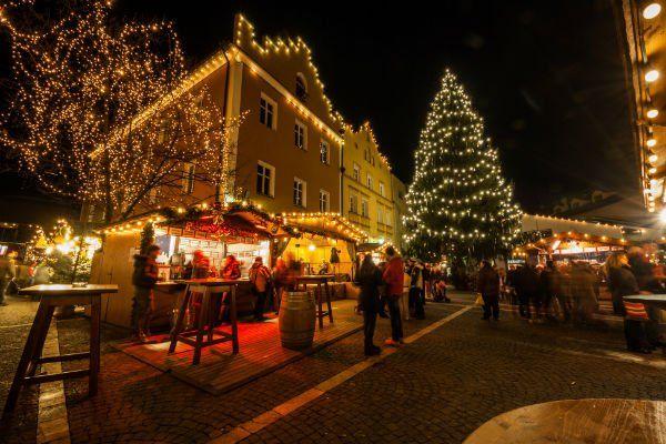 illuminazione natalizia pubblica