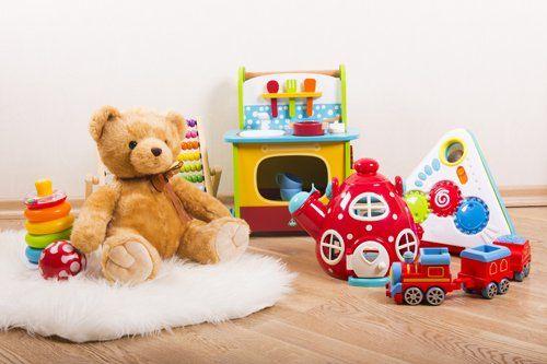 giocattoli vari per bambini