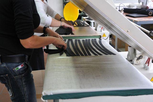 Faciatura artigianale bottoni a Scandicci