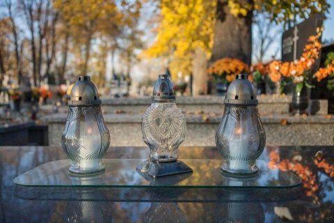 Accessori funebri alessandria onoranze funebri monforte for Arredi cimiteriali