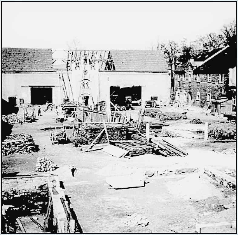 Abb. 6 Beginn der Teilung der Scheune im Zuge der Schaffung von Neubauernstellen © Sammlung Bayerlein