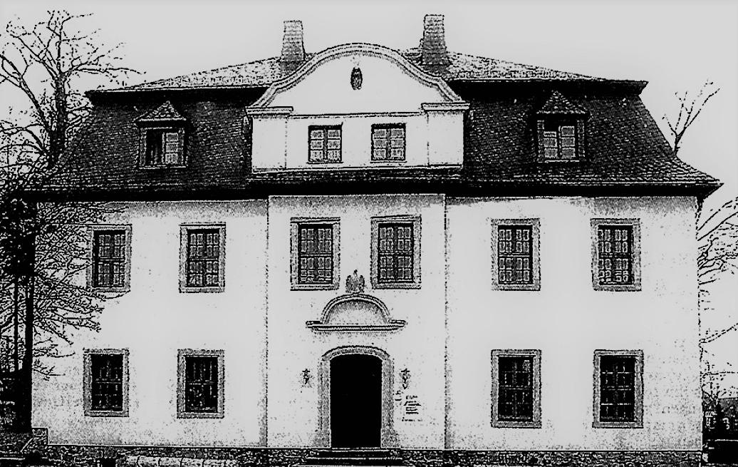 Abb. 5 Das Herrenhaus nach Erweiterung und Modernisierung 1936 bis 1939 sowie nach der Sanierung im Jahre 2000 © Joachim Thoss