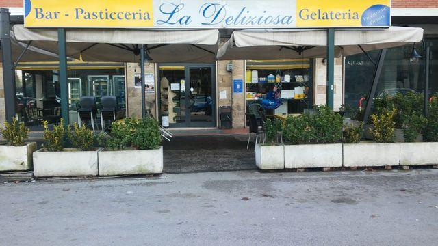 entrata del Bar - Pasticceria - Gelateria La Deliziosa