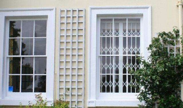 Modern collapsible grilles