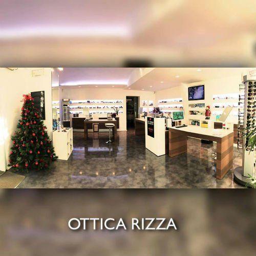 interno del negozio Ottica Rizza