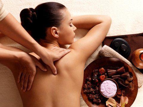 massaggio relax per schiena contratta