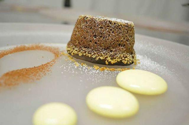 un tortino al cioccolato