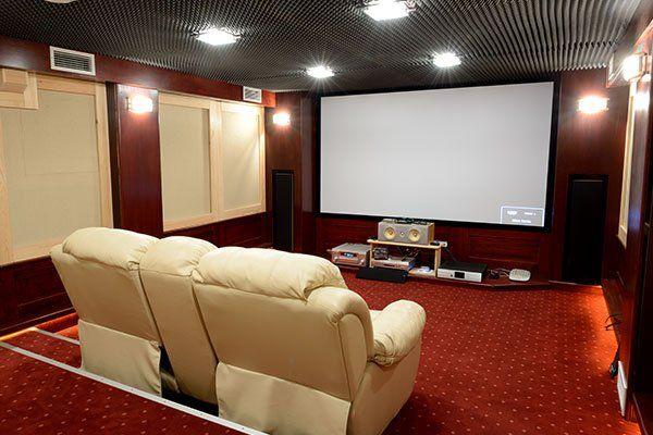 insonorizzato home theater in casa cantina